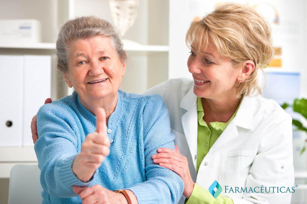 cuidado-com-idoso-farmacia-clinica